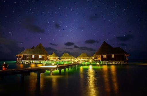 Lagoon Villen bei Nacht, Coco Palm Dhuni Kolhu, Malediven