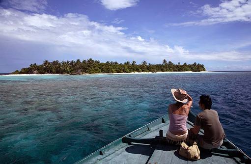 Blick vom Boot auf die Insel, Coco Palm Dhuni Kolhu, Malediven