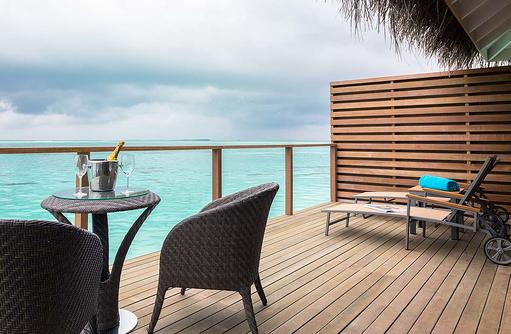 Terrasse der Lagoon Suite, Cocoon Maldives