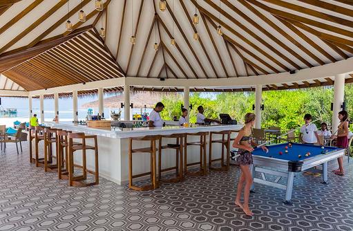 Loabi Loabi Bar mit Billard, Cocoon Maldives