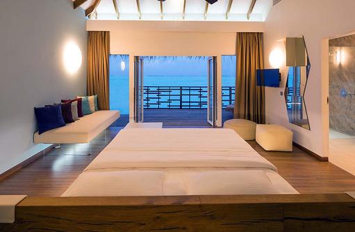 Schlafzimmer der Lagoon Main Villa, Cocoon Maldives