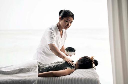 Massageanwendung, COMO Maalifushi, Maldives