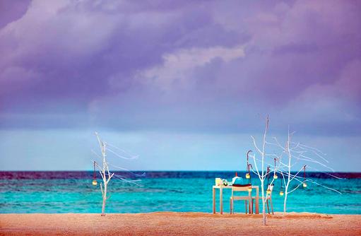 Privates Dinner am Strand, COMO Maalifushi, Maldives