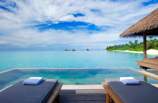 Blick auf den Pool, Water Villa, COMO Maalifushi, Maldives