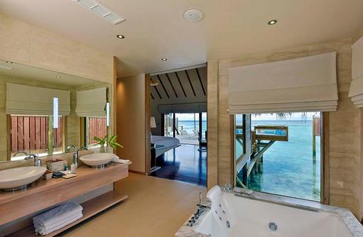 Premier Water Villa, Badezimmer, Conrad Maldives Rangali Island, Maldives