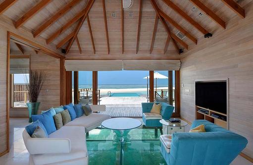Sunset Water Villa, Wohnzimmer, Glasboden, Conrad Maldives Rangali Island, Maldives