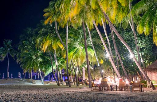 Atoll Market Restaurant, Buffet Restaurant, Abend, Conrad Maldives Rangali Island, Maldives
