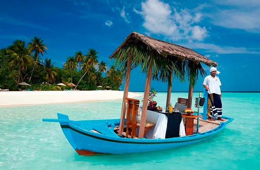 Frühstück auf dem Dhoni, Constance Halaveli Resort, Maldives