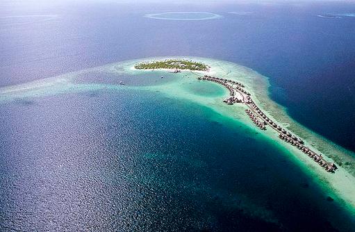 Blick aus der Luft auf Constance Halaveli Resort, Maldives