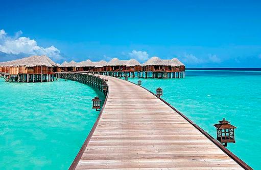 Steg zu den Water Villas, Constance Halaveli Resort, Maldives