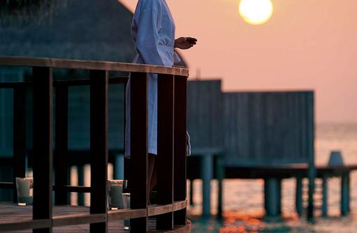 U Spa, Sonnenuntergang, Terrasse, Pool, Constance Halaveli Resort, Maldives