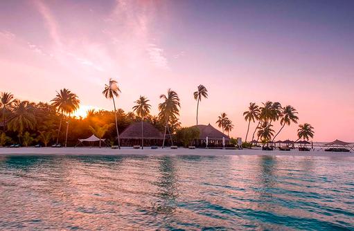 Sonnenuntergang, Lila Wolken, Constance Halaveli Resort, Maldives