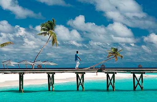 Blick auf den Steg, Constance Halaveli Resort, Maldives