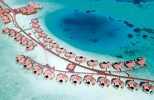 Blick von oben auf Water Villas, Constance Halaveli Resort, Maldives