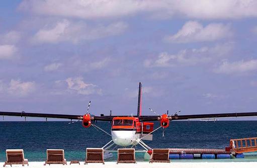 Wasserflugzeug, Arrival Jetty, Constance Moofushi Resort, Malediven