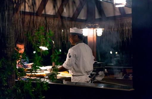 Restaurant Manta, BBQ Grill, Live Cooking, Constance Moofushi Resort, Malediven