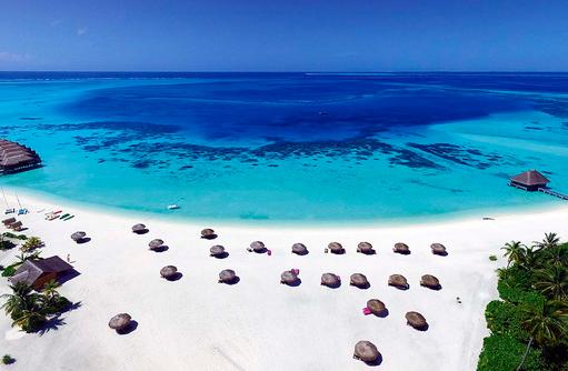 Strand, Wassersportcenter, Constance Moofushi Resort, Malediven