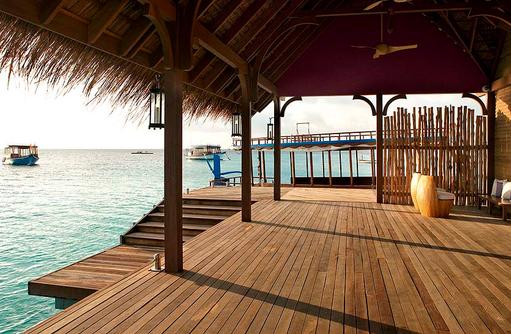 Terrasse Arrival Jetty, Constance Moofushi Resort, Malediven
