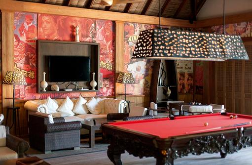 Entertainment Lounge, Billard, Constance Moofushi Resort, Malediven