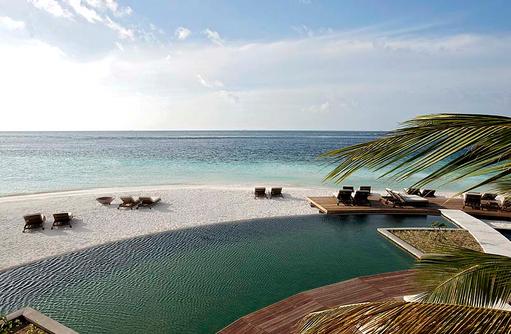 Pool, Panorama, Constance Moofushi Resort, Malediven