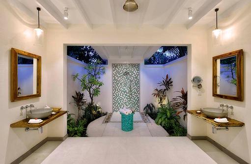 Deluxe Beach Villa, Badezimmer, Openair, COOEE OBLU at Helengeli, Maldives