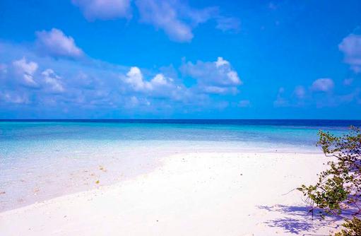 Einsamer Strand auf COOEE OBLU at Helengeli, Maldives