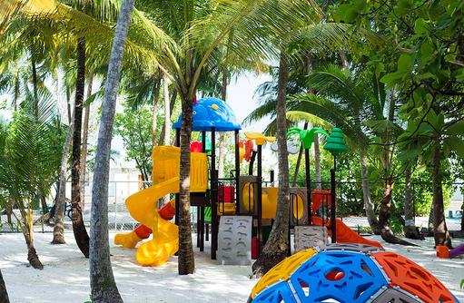 Kids Club im Sand, Dhigali Maldives
