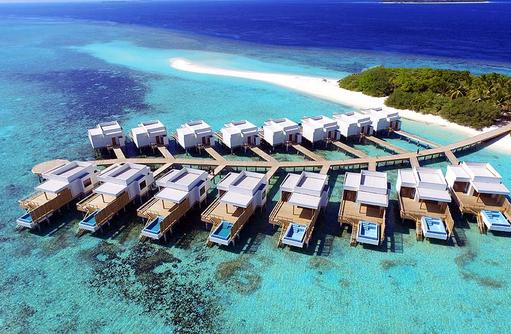 Gesamtansicht der Wasservillen, Dhigali Maldives