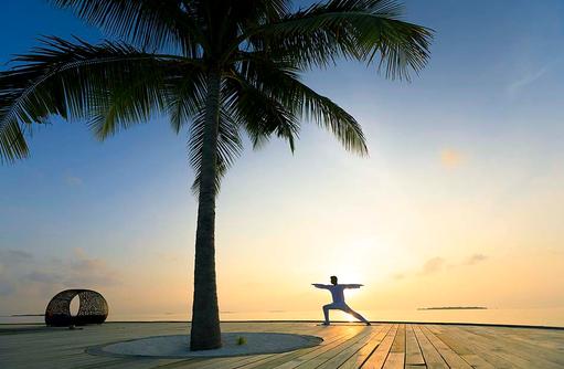 Yoga bei Sonnenuntergang, Dhigali Maldives