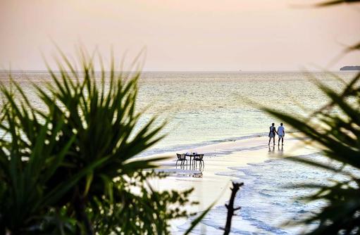 Strandspaziergang auf der Sandbank, Dhigali Maldives
