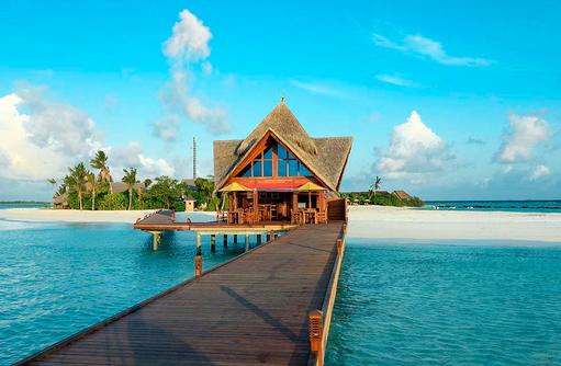 Check In Steg am Dhigufaru Island Resort