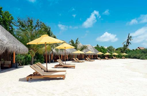 Heller feiner Sandstrand am Dhigufaru Island Resort