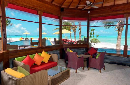 Thundi Pool Bar, Innenansicht, Dhigufaru Island Resort