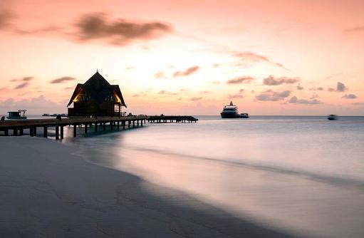 Sonnuntergang, Steg im Dhigufaru Island Resort