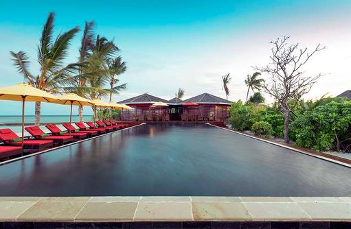 Blick Richtung Thundi Pool Bar, Dhigufaru Island Resort