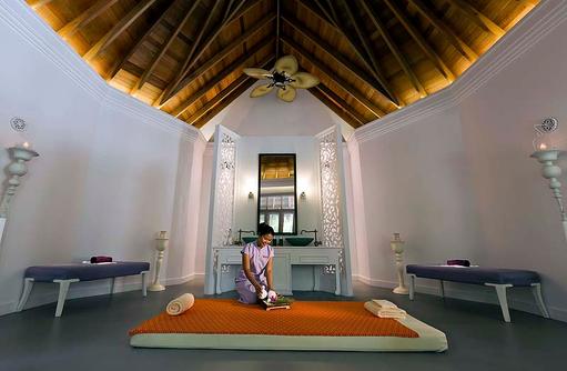 Devanara Spa, Thai Massage, Dusit Thani Maldives
