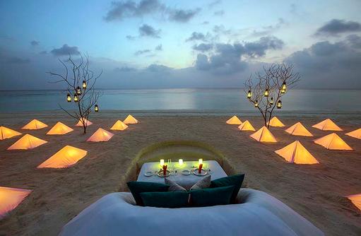 Borderless Dining, romantisches Dinner am Strand, Dusit Thani Maldives