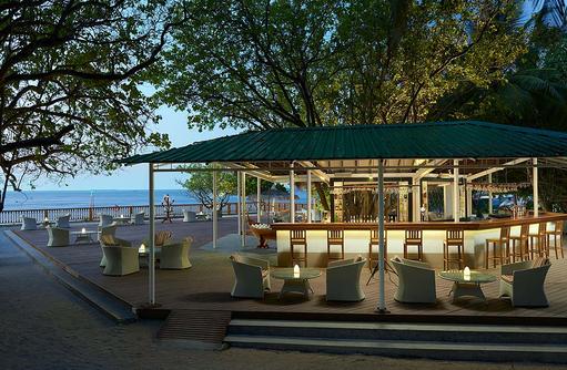 Iruohsnee Bar, Ellaidhoo Maldives by Cinnamon