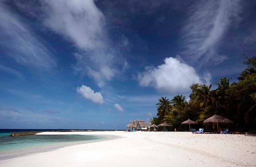 Strand von Ellaidhoo Maldives by Cinnamon