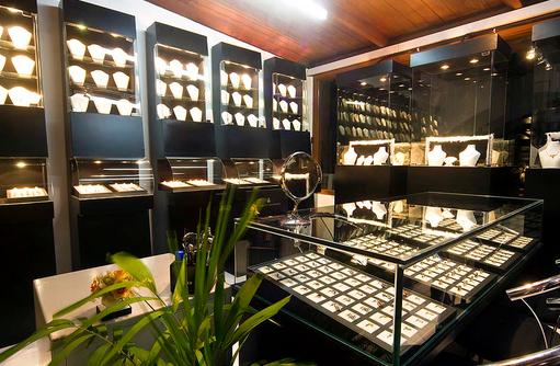 Juwelier, Embudu Village, Maldives