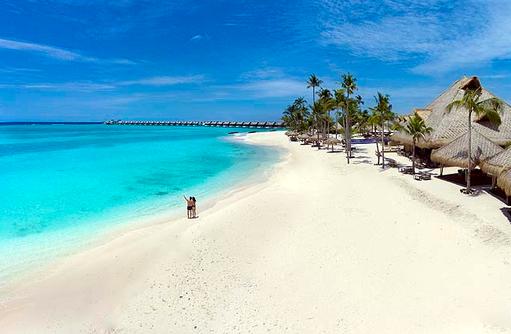 Drohnenaufnahme am Strand, Emerald Maldives