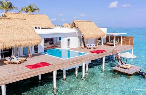 Pool der Presidential Wasser Villa, Emerald Maldives