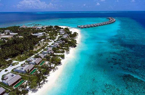 Blick von oben auf die Beach Pool Villen, Emerald Maldives