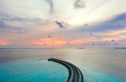 Traumblick auf die Wasservillen, Emerald Maldives