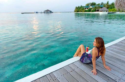 Cocktail bei Sonnenuntergang, smartline Eriyadu, Maldives