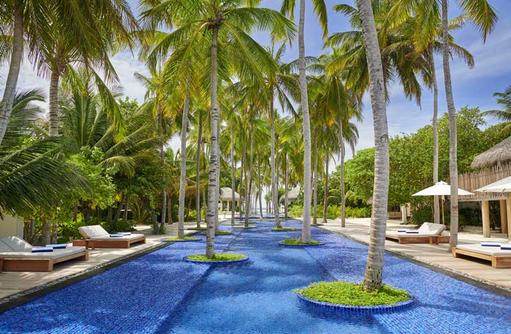 Pool, Fairmont Maldives Sirru Fen Fushi