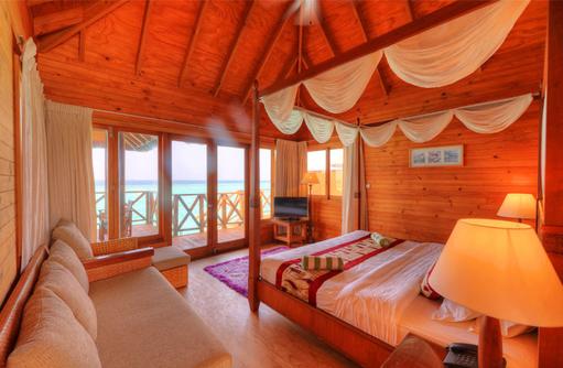 Water Bungalow, Schlafbereich, Fihalhohi Island Resort, Maldives