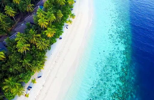 Strand, Deluxe Villa von oben, Filitheyo Island, Malediven