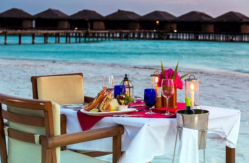 Privates Dinner am Strand, Filitheyo Island, Malediven