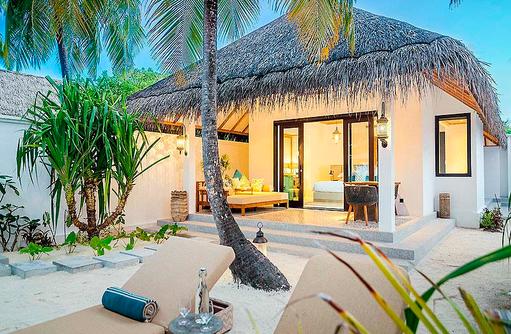 Terrasse einer Beach Villa, Finolhu, Malediven